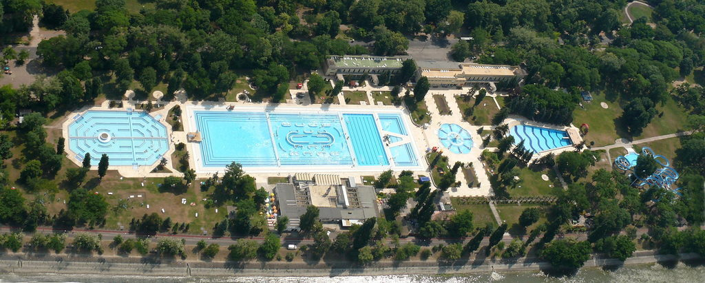 Open air baths of budapest about hungary - Margaret island budapest swimming pool ...